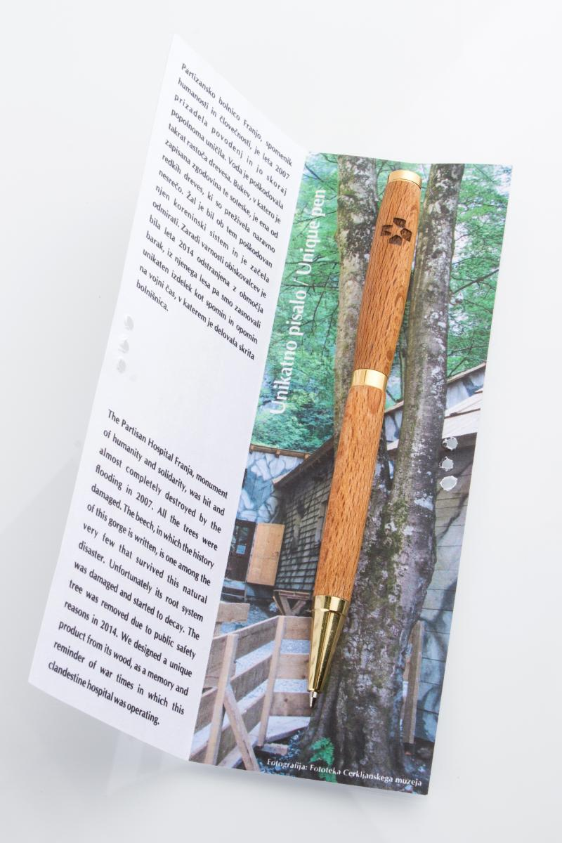 Pisalo Franja - notranjost ovitka